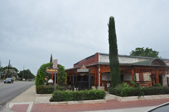 Babe's Chicken Dinner House: Babe's Granbury