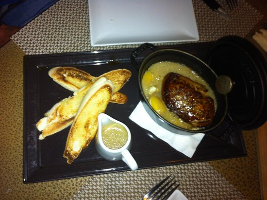 La Table d'Antoine: Oeuf cocotte au foie gras sauce foie gras