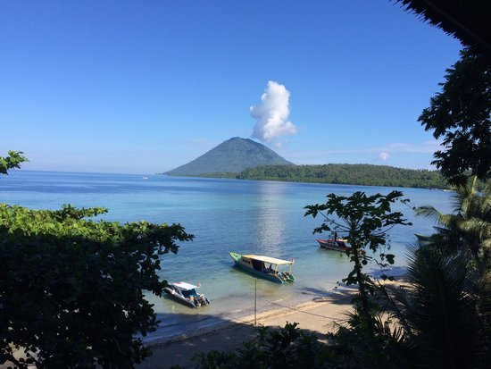 Bunaken Island Resort: View from bangalow