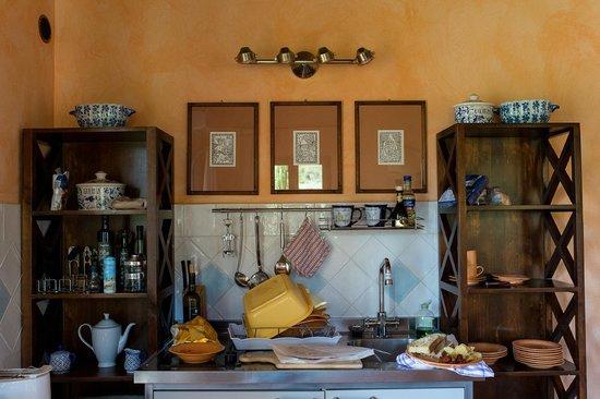 La Poggiolaia: Quaint kitchen area