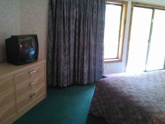 Chalet High Resort: King Bedroom