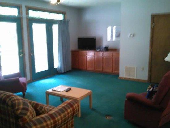 Chalet High Resort: Living Room