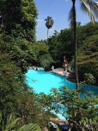 Hotel Kumala Pantai : View from room