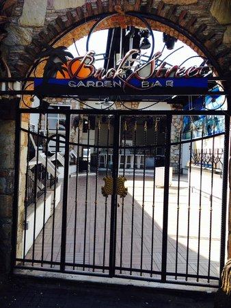 Kervansaray Marmaris: My favourite bar on bar street!!