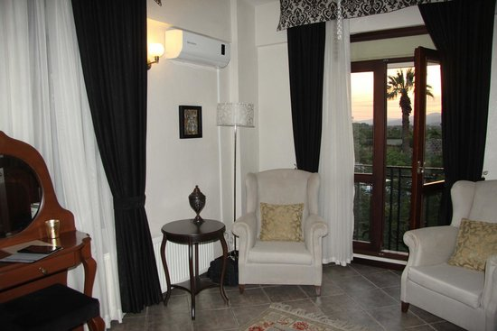 Urkmez Hotel: King Suite