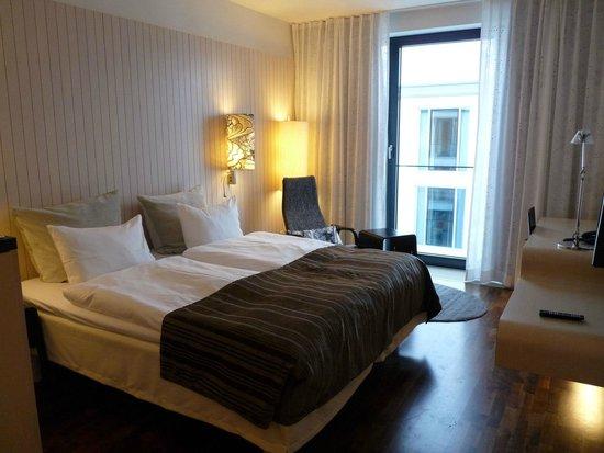 Scandic Berlin Potsdamer Platz: Zimmer zum Innenhof