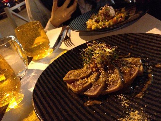 Mon Petit Cafe : Seared satay tuna