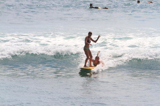 Exclusive Bali Bungalows : Surfing at Bingin during high tide
