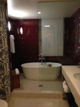 Hotel Monaco Philadelphia King Spa Room