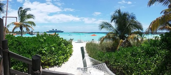 Castaway Cay : Taken with my cell phone. This is just how it looked. No photoshopping.
