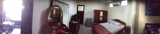 Hotel Lumbung Sari: Our first room