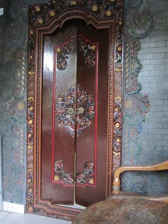 Hotel Lumbung Sari: Door to our first room