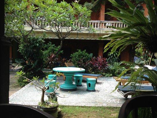 Hotel Lumbung Sari: Pool area