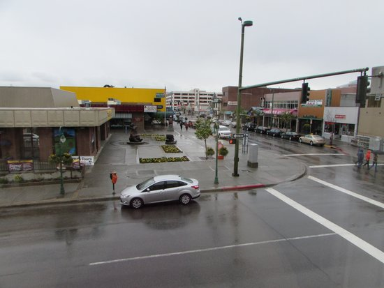 Historic Anchorage Hotel : Our view on rainy day