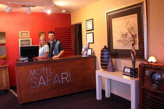 Motel Safari: Lobby