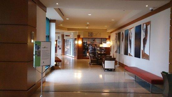 Brookstreet Hotel : Ground
