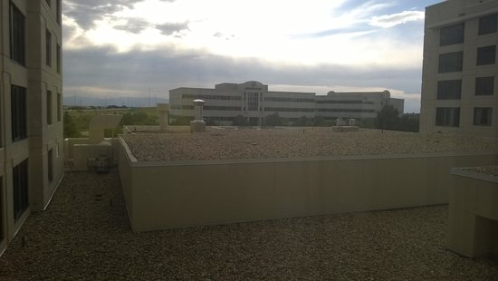 Denver Airport Marriott at Gateway Park: Odd numbered room view