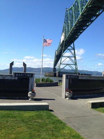 Maritime Memorial: Entrance