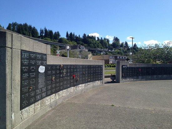 Maritime Memorial: Memorial