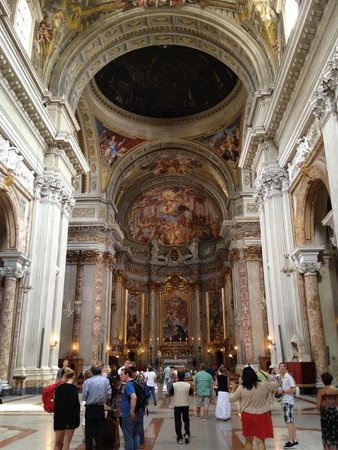 Chiesa di Sant'Ignazio di Loyola: A few of the inside
