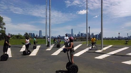 Bike and Roll NYC : Having fun on the Segways.