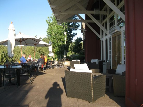 Running Y Ranch Resort: Patio dining