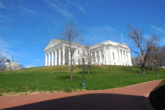 Omni Richmond Hotel: Walk to the Capitol of the Confederacy Grounds