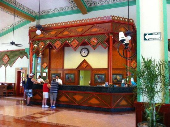 Hotel Riu Playacar: Lobby