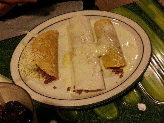 El Vallarta: One of the combo meals.