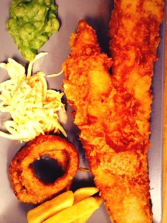 Baileys Fish and Chips: fish, chips, onion rings, slaw and mushy peas