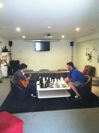 Gallery Hostel: Hangout room