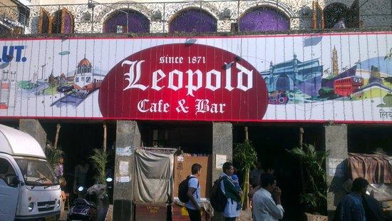 Leopold Cafe and Bar : Leopold Cafe & Bar Mumbai, India