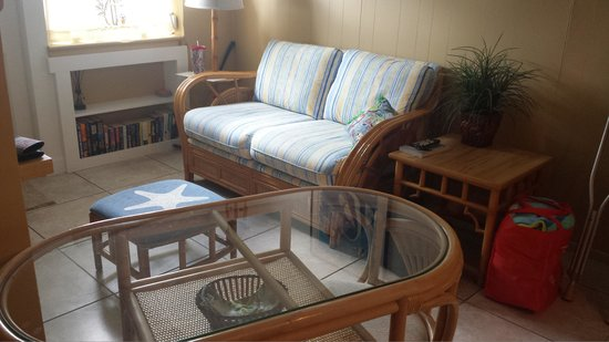 The Beachcomber: The cute little living space