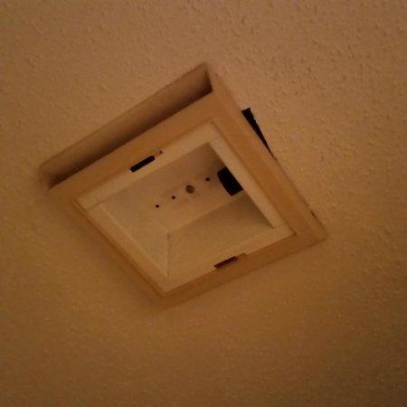 Bathroom Light Not Turning On upstairs bathroom light not working - picture of olde gatlinburg