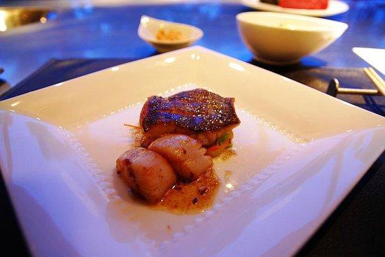Steake Ishiyama: メインディッシュ前の魚料理