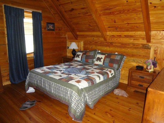 Mountain Top Inn and Resort: bedroom located in loft, seperates by a door
