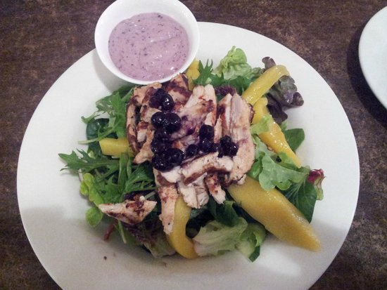 Toscanini's: Chicken & Mango Blueberry Salad