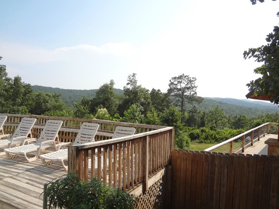 Mountain Top Inn: view from pool