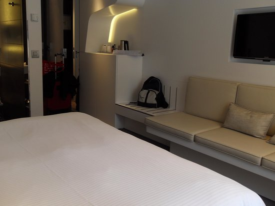 Pullman Brussels Centre Midi Hotel: Room