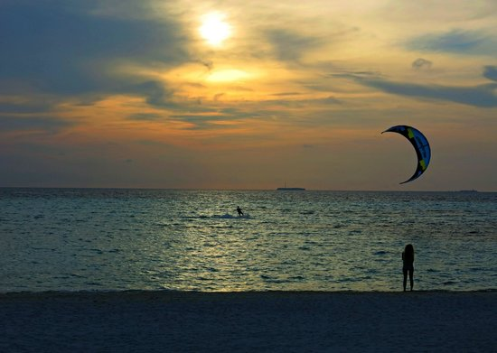 Olhuveli Beach & Spa Maldives: Sunset and Water Sports