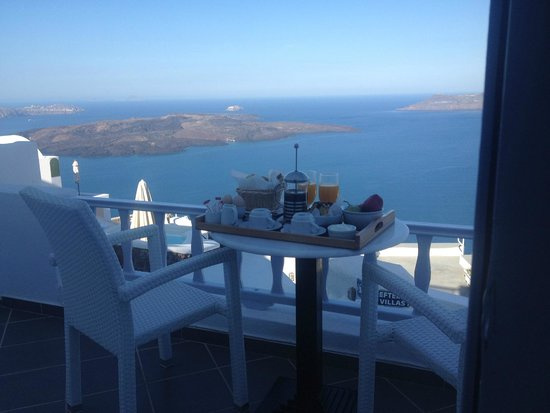Santorini View: Breakfast with a view
