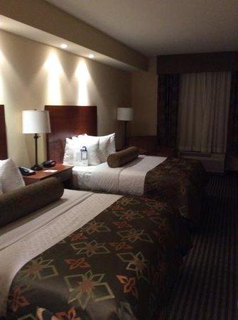 BEST WESTERN PLUS Westgate Inn & Suites: 2 queens very nice