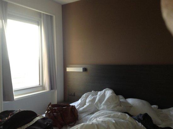 Antwerp Harbour Hotel : Deliciosa ropa de cama