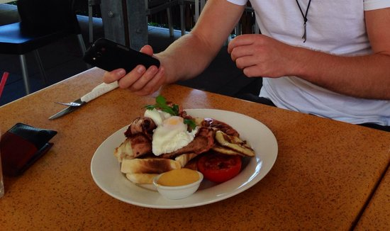 Village Cafe Restaurant & Bar : Massive portions