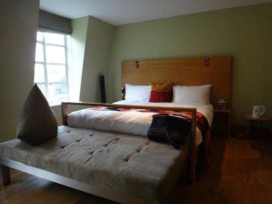 Hotel Megaro : Apartamento amplo, claro e arejado