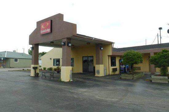 Econo Lodge : Entrance