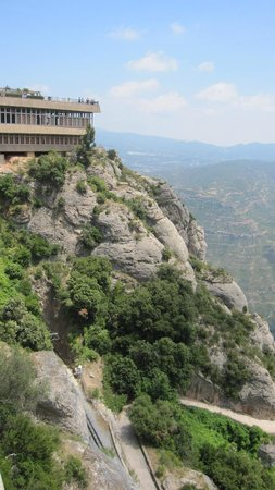 Montserrat Monastery : Entorno