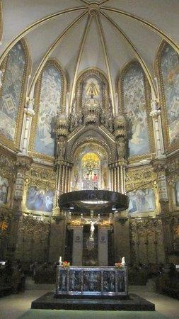 Montserrat Monastery : Interior