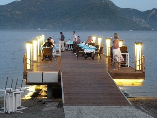 Hotel Marbella : Candlelit dinner on the jetty