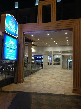 Best Western Astor Metropole Hotel & Apartments: front of hotel